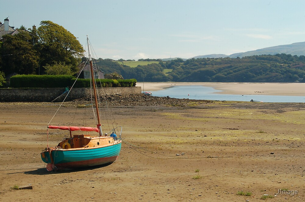 Green Boat at Borth-y-Gest by JImage