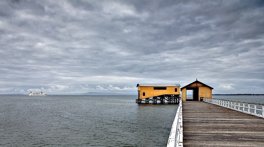 Queenscliff Pier by RobYoung