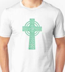 green celtic cross Unisex T-Shirt