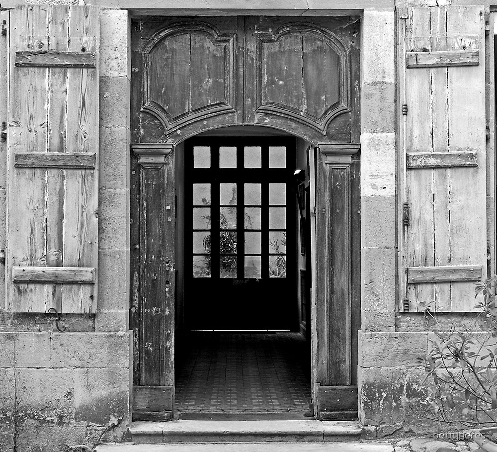 Vezelay Door by bettyhores