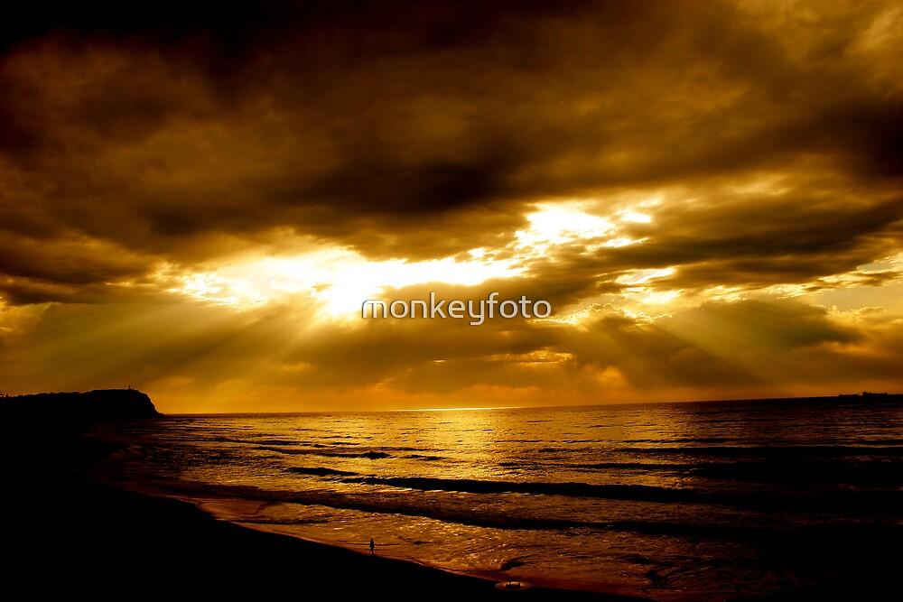 Good Morning Bar Beach by monkeyfoto