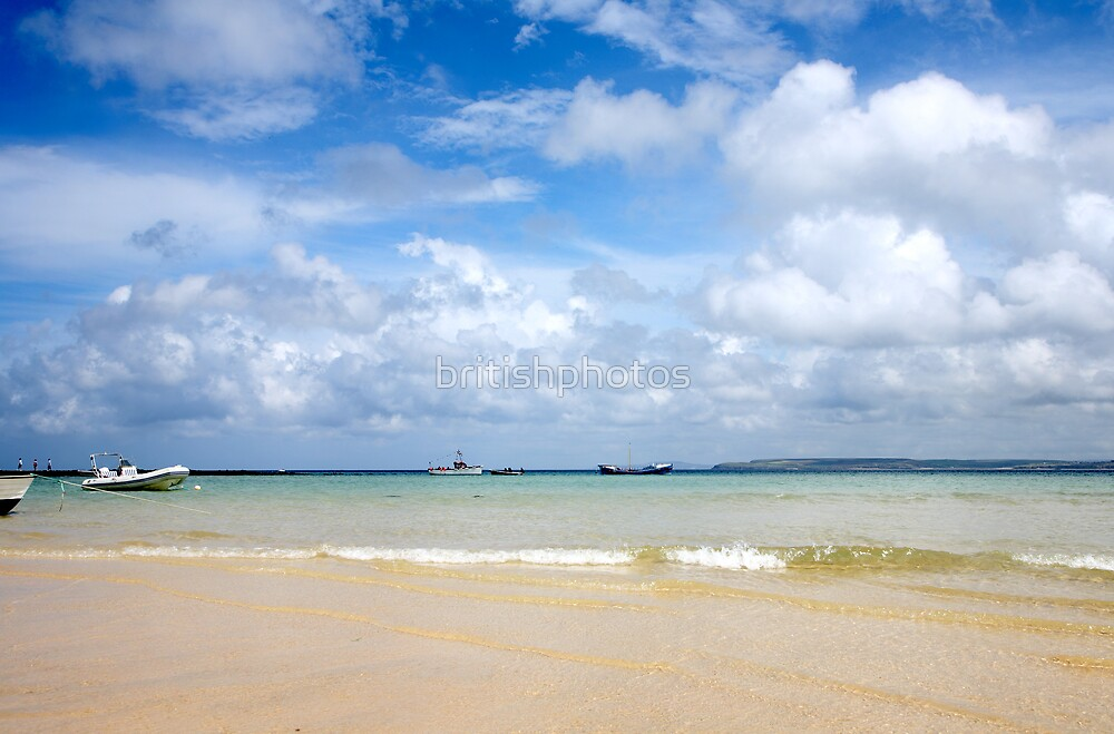 St. Ives harbour beach. by britishphotos