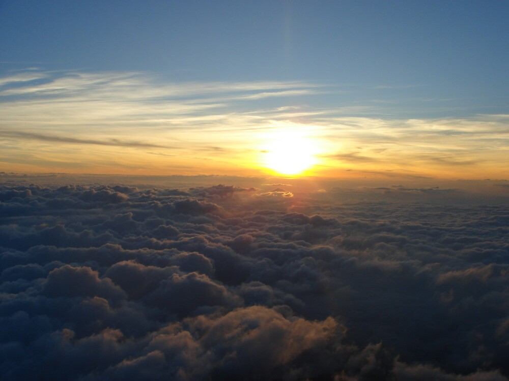 Sunrise atop Mt. Fuji  by kvani