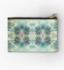 Vintage Kind Of Love Pattern Studio Pouch