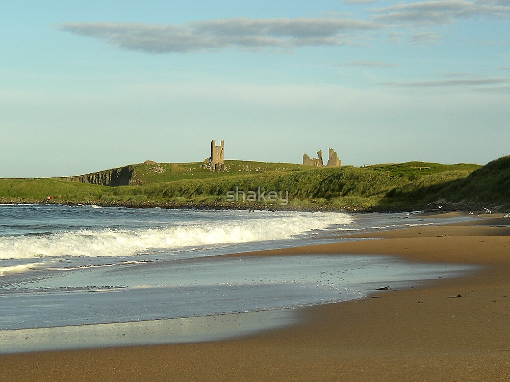 Dunstanburgh Castle by shakey