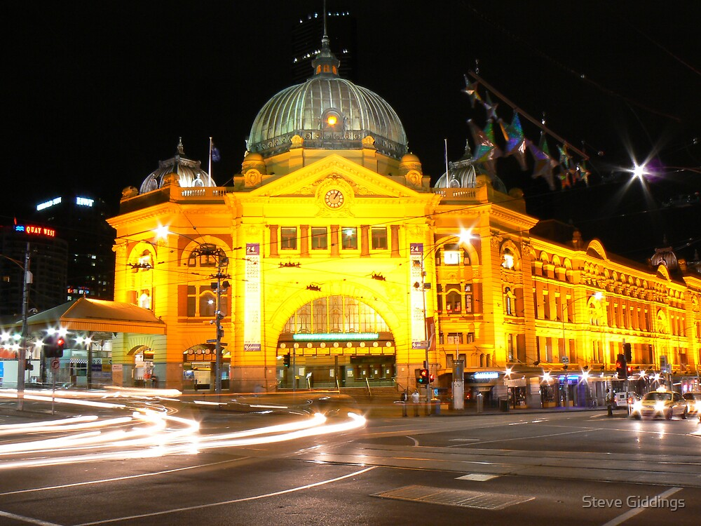 Flinders street station by Steve Giddings