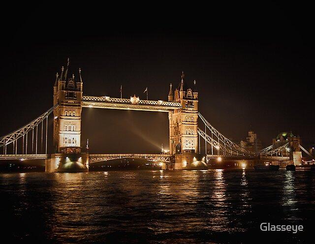 Tower Bridge by Glasseye