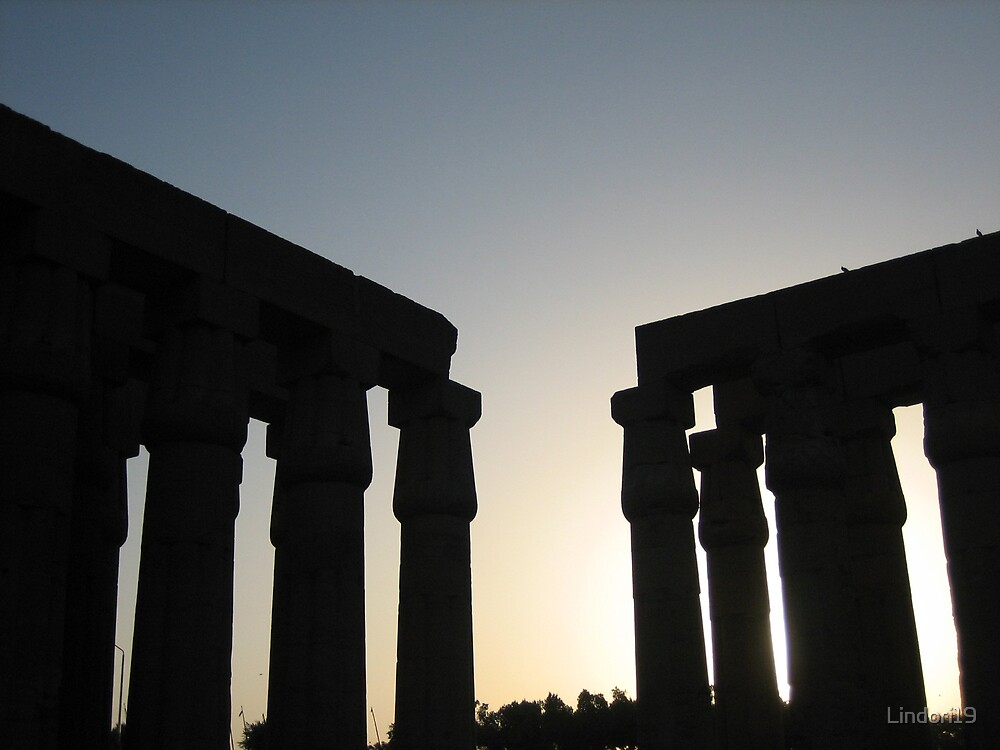 Egyptian Temple silhouette by Lindori19