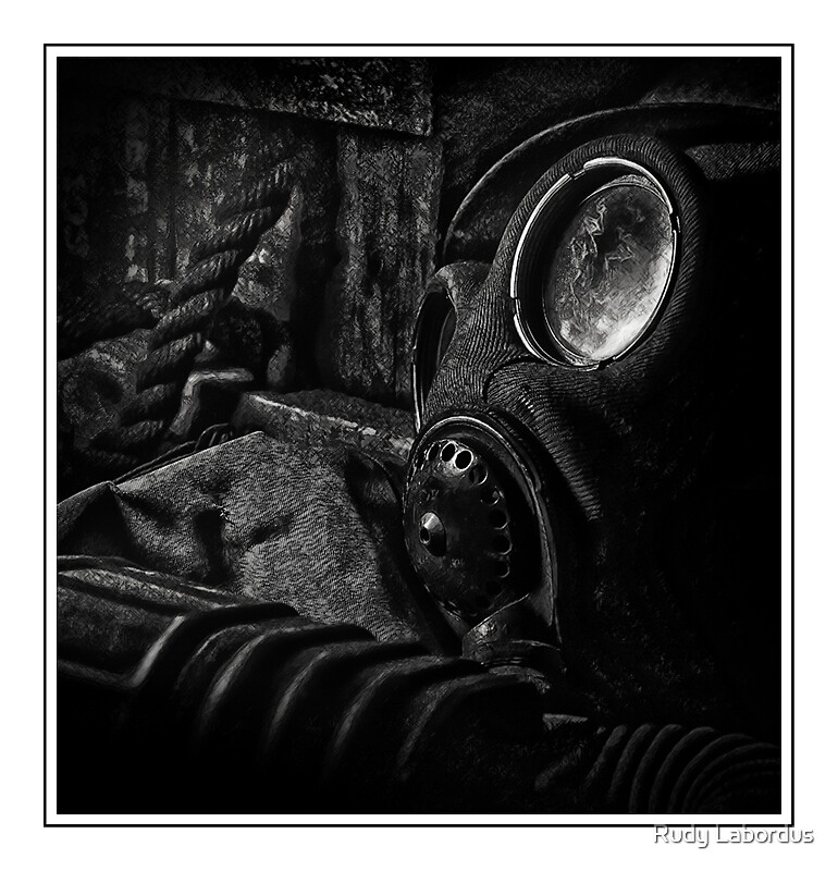Gas mask by Rudy Labordus
