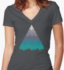 Viele Berge Tailliertes T-Shirt mit V-Ausschnitt