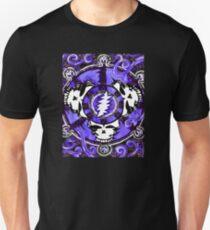 If the Thunder Don't Get ya Then The Lightin' Will - Design 1 T-Shirt