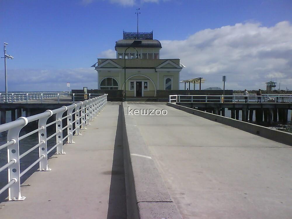 St Kilda Pier  by kewzoo