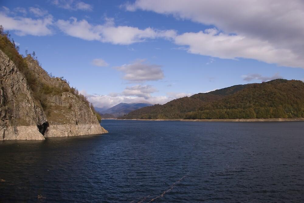 Mountain lake by ictin