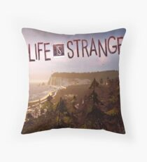 Life is strange I Throw Pillow