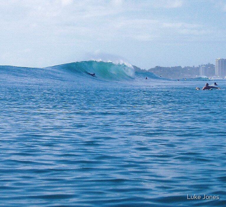 Go wave! by Luke Jones