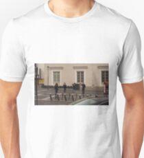 Three amateur photographers snapping girl photomodel. T-Shirt
