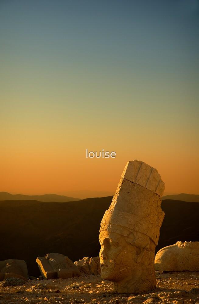 MT NEMRUT SUNSET by louise