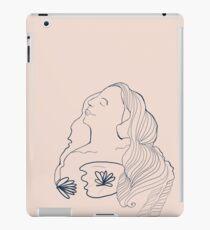 Nouveau Lily iPad Case/Skin