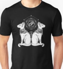 Cat Mandala - Egyptian Sphinx Horus Tattoo -  Symbol of Goddess Bastet T-Shirt