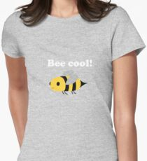 Bee cool! Women's Fitted T-Shirt
