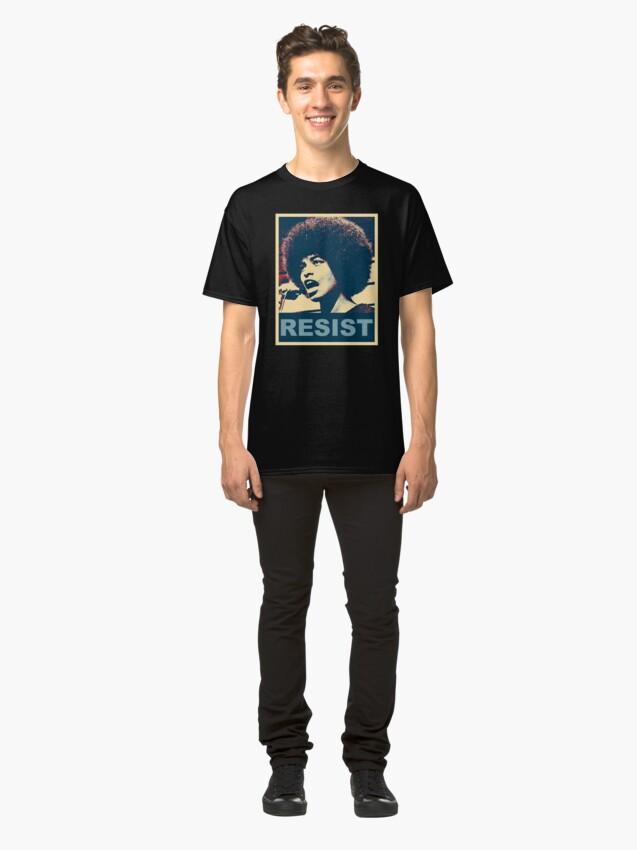 Alternative Ansicht von Angela -RESIST Classic T-Shirt