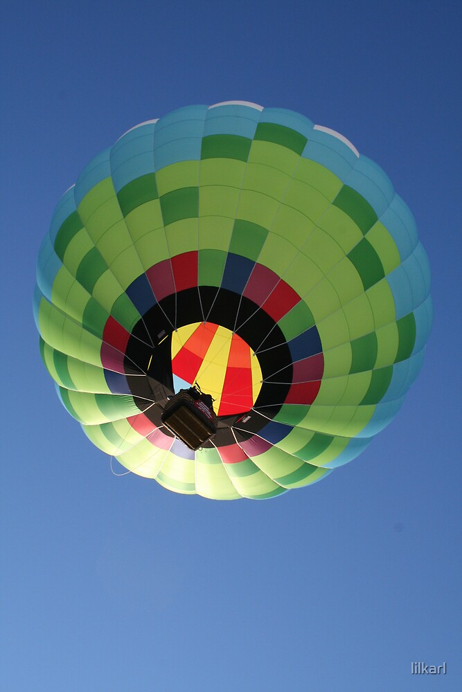 Hot Air Balloon Grounded View by lilkarl