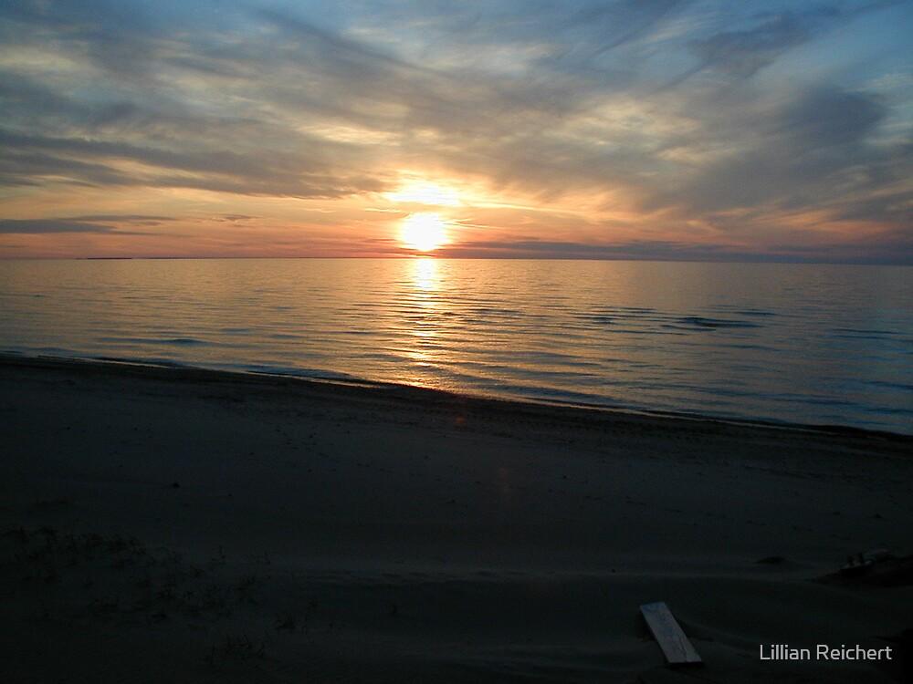 Sun Set no 11 by Lillian Reichert
