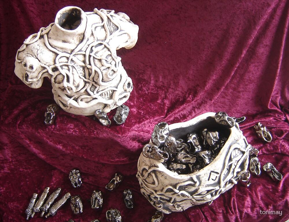 Pandora's Box-Sculpture by tonimay