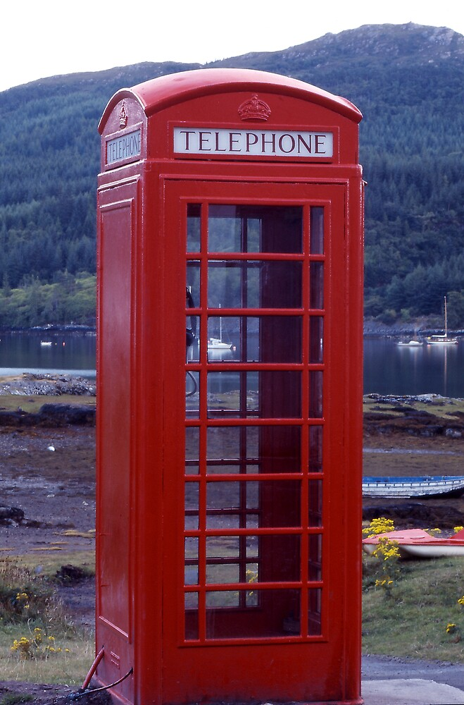 'Phone Box on Shore by kitlew