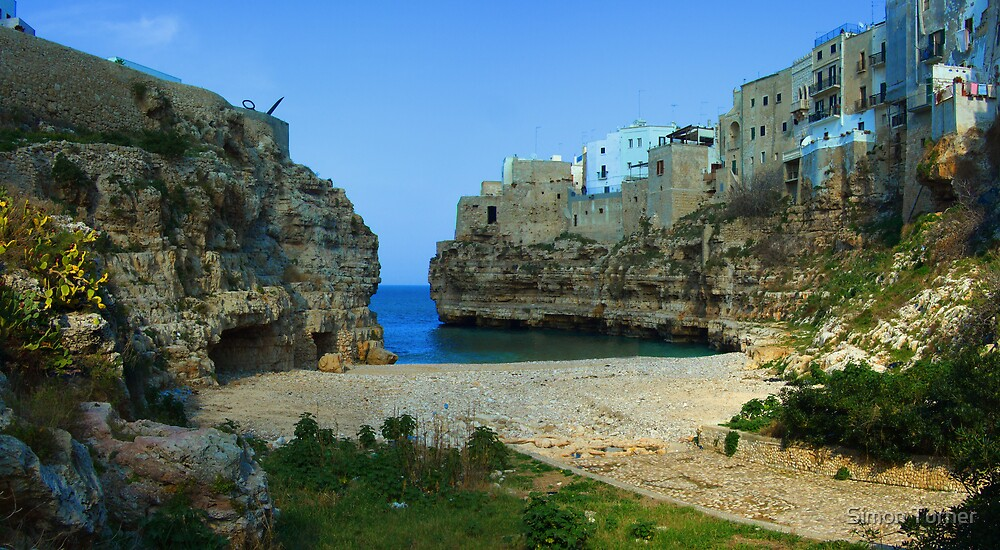 Polignano Bay by Simon Turner