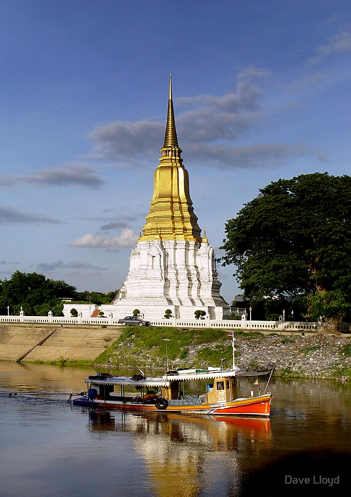 Temple And Boat by Dave Lloyd