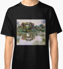 Claude Monet - Rose Flowered Arches At Giverny, 1913 Classic T-Shirt