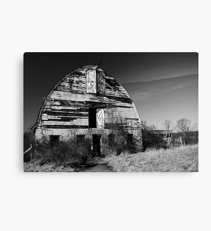 Nursery Barn that has seen better days  Canvas Print