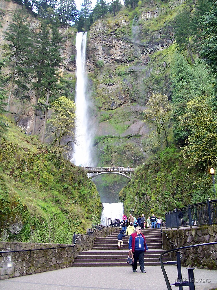 Multnomah Falls I by digitaldavers