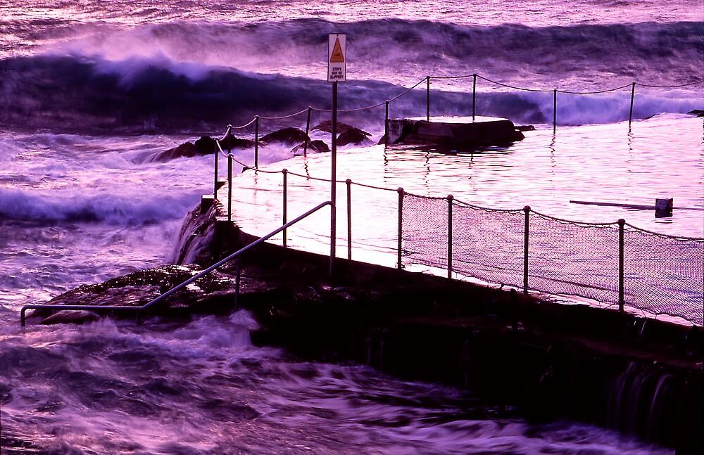 Bronte Sea Pool by bobovoz