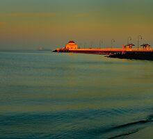 st kilda beach 5.30 am by Melinda Kerr