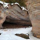 Inside canyon by zumi