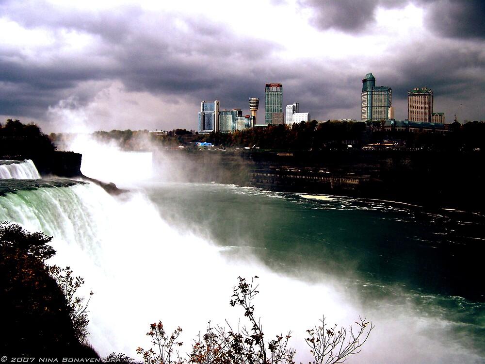 Niagara Falls by NinaB