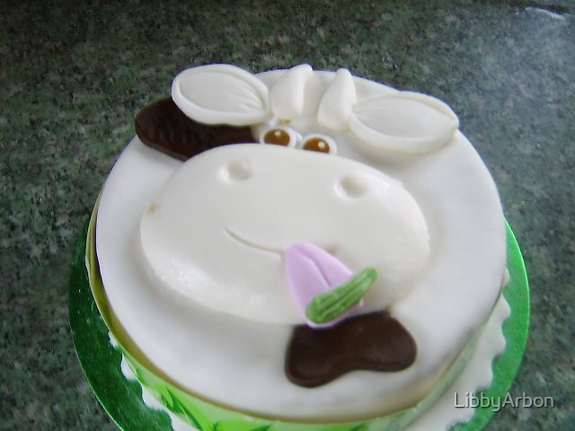 cow cake by LibbyArbon