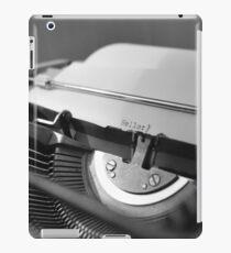 Schreibmaschine schwarz/weiß iPad Case/Skin