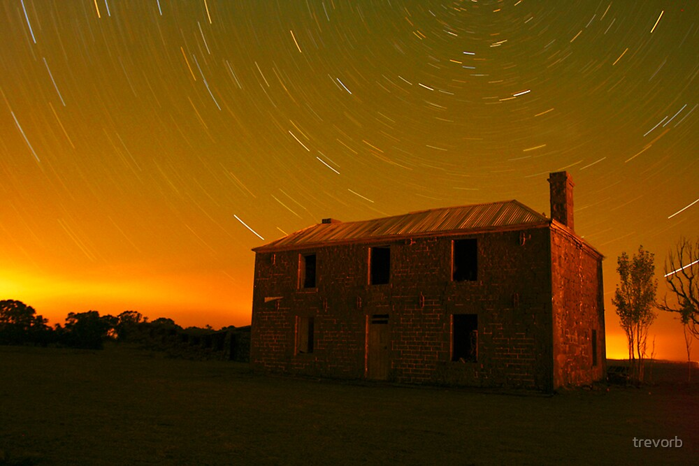 Stars over the homestead. by trevorb
