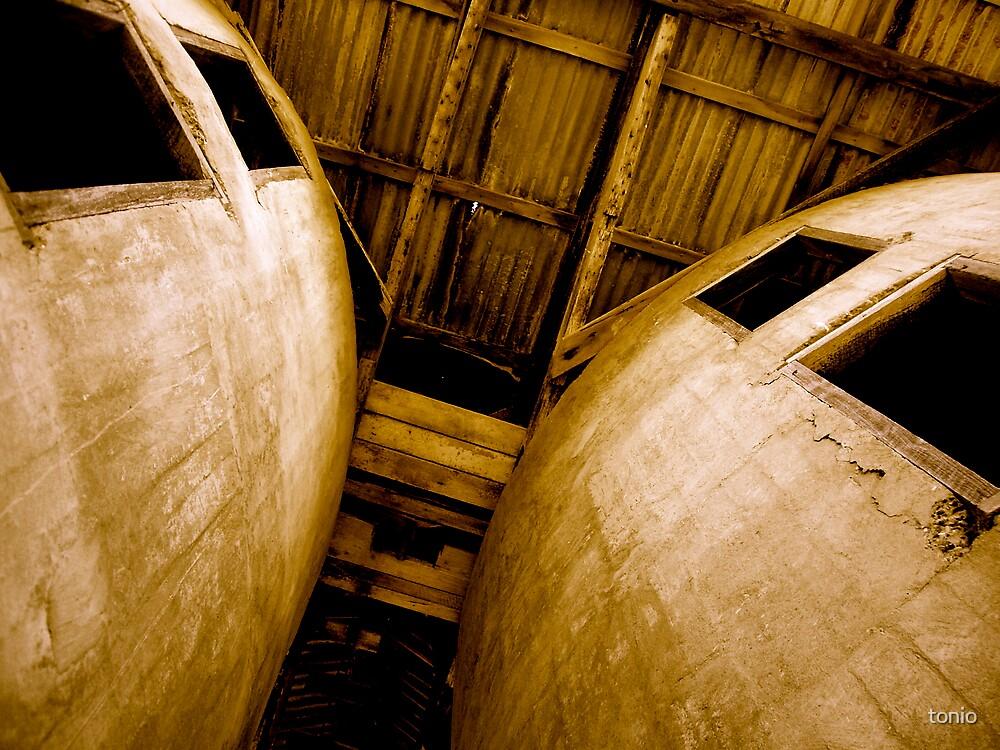 silos, architecture by tonio