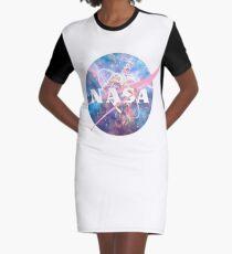 Pastellnebel Nasa Logo T-Shirt Kleid