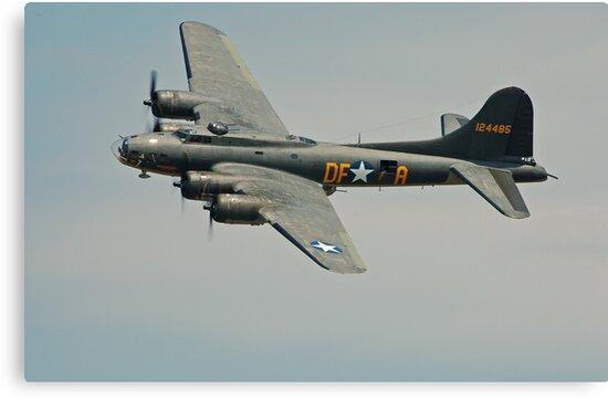 B-17 Memphis Belle replica flyby by Andreas Mueller