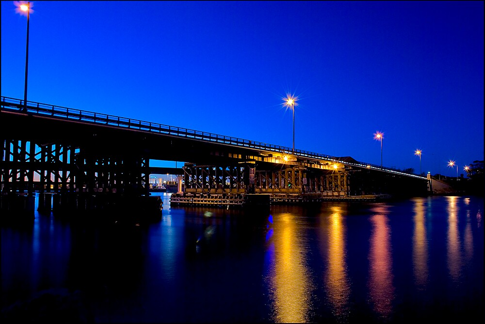 Fremantle Bridge at Dusk by Damiend