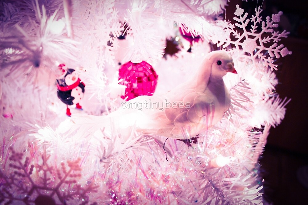 Christmas Dove. by omgtinybees