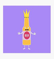 Queen Beer bottle with crone Rfq4y Photographic Print