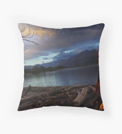 Camp Fire @ Lake Wakitipu, New Zealand. Throw Pillow