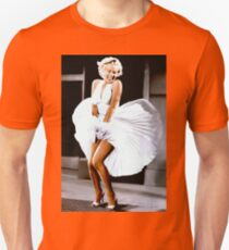 MARILYN MONROE: Scene of her Skirt Blowing Up Print T-Shirt