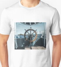 Captain of luxe T-Shirt
